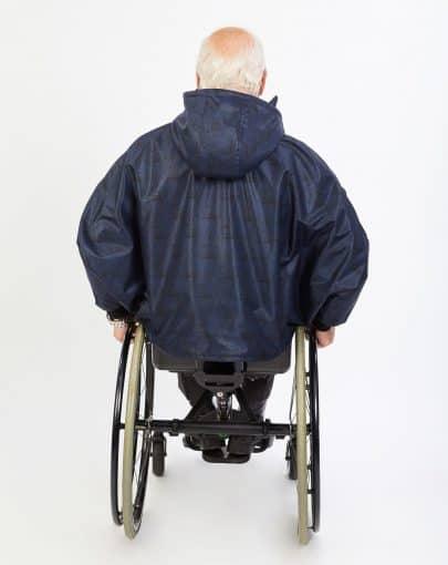 cape-hivernale-pour-fauteuil-roulant-avec-fermoir-ajustable-a-lavant-dos-SP79130