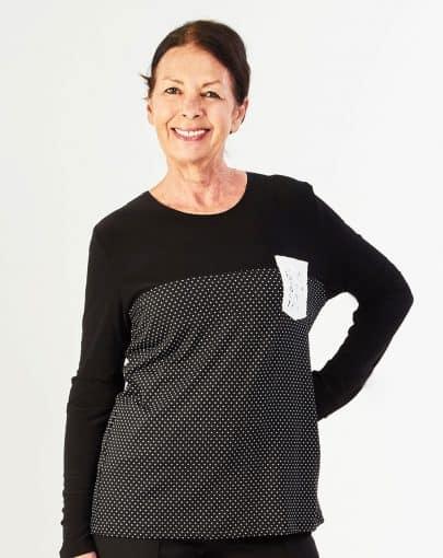 chandail-adapte-a-motifs-avec-poche-en-dentelle-a-lavant-FB72715-895