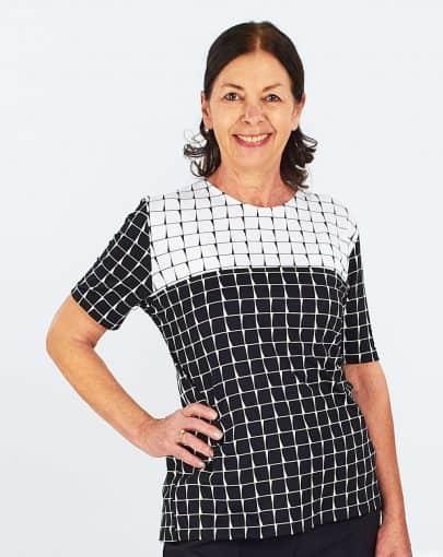 chandail-mode-adapte-a-motifs-noirs-et-blancs-FB72700-842