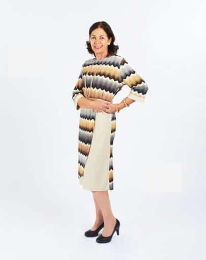 robe-adaptee-a-motifs-avec-jupe-de-style-portefeuille-FR72110-808