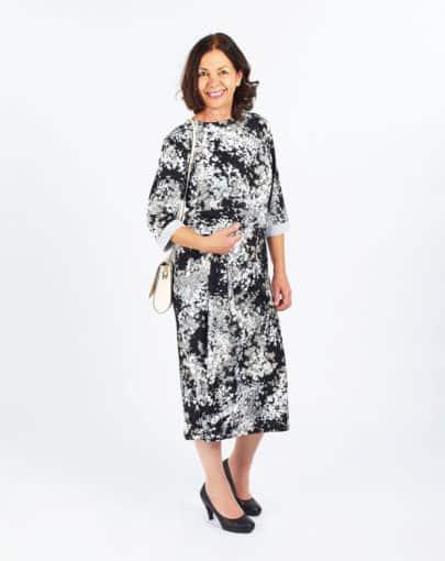 robe-adaptee-a-motifs-avec-jupe-de-style-portefeuille-FR72110-817