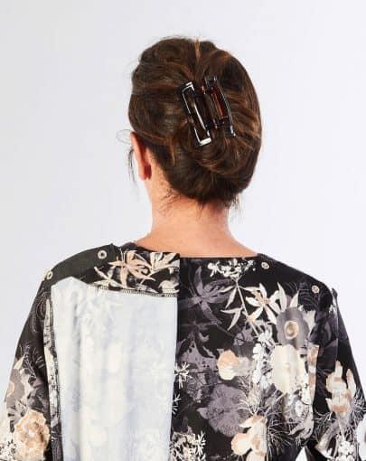 robe-adaptee-elegante-a-motifs-floraux-et-dentelle-aux-epaules-FR72118-907-back