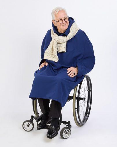 cape-hivernale-fauteuil-roulant-manches-poche-de-grand-format-SP09105