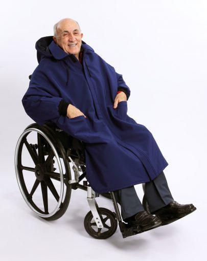 cape-hivernale-fauteuil-roulant-ouverture-complete-a-lavant-SP09126-marine