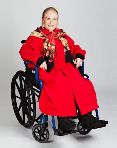 cape-hivernale-fauteuil-roulant-ouverture-complete-a-lavant-SP09126-rouge