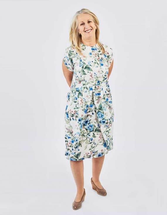 robe adaptée motifs fleurs