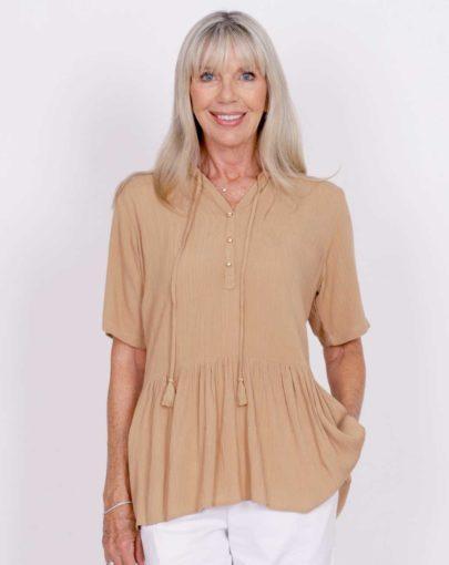blouse-adaptée-lily-printemps-ete–2020-FB04679-232-beige-mannequin-devant
