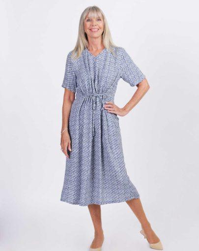 robe-adaptee-Emma-ete-2019-FR92026-112-bleu-et-blanc