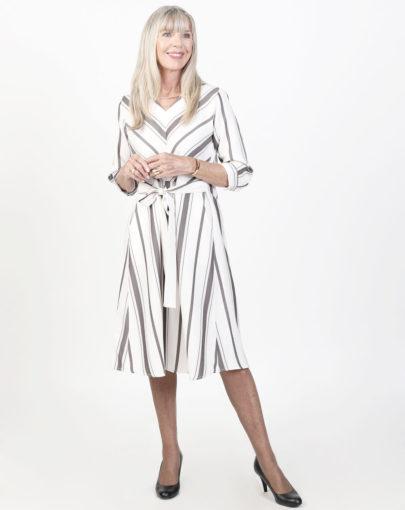 robe-adaptée-jeane-automne-hiver–2019-2020-FR02029-243-blanc-brun